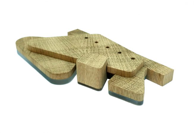 Bezoekerscentrum als houten volume op een acrylaat basis